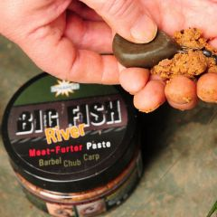 Pasta solubila Dynamite Baits Big Fish River Paste Meat-Furter 180g